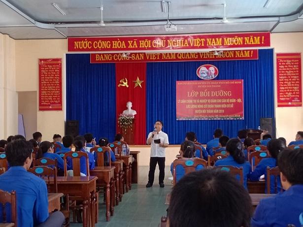 Núi Thành: Khai giảng lớp Tập huấn cán bộ Đoàn, Hội và Lực lượng nòng cốt năm 2019